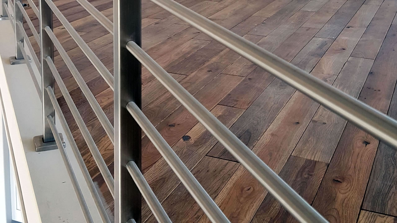 CLEARVIEW® Olympus Stainless Steel Horizontal Bar Railing along Interior Loft - Detail